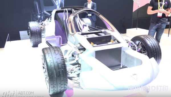 this-incredible-3d-printed-supercar-helps-divergent-3d-steal-the-show-at-ces-in-.jpg