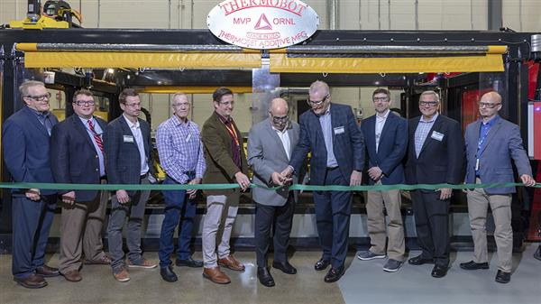ornl-and-mvp-unveil-first-medium-large-scale-thermoset-3d-printer-1.jpg
